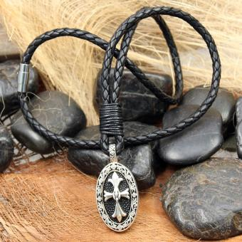 """JJJ LA Amulett """"oval cross ray"""" Halskette mit Amulett aus 925er Silber kombiniert mit Leder"""
