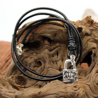 JJJ LA Lock Crown Pendant
