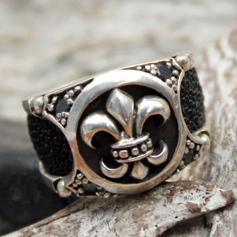 "JJJ LA Ring ""lily ray"" GR 76 Herrenring aus 925er Silber kombiniert mit Rochenleder"