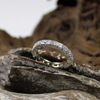 Memoire Ring 585er Weißgold 21 Brillanten