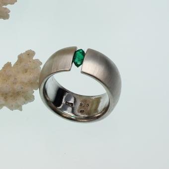 Smaragd Spannring in Silber