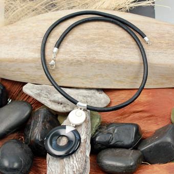 CARA Ledercollier mit Muschel-/Silberanhänger 206/0580