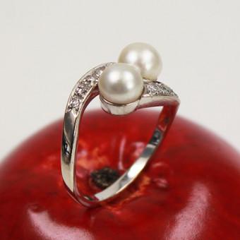 Brillant Ring mit Perlmutt 750 Weißgold