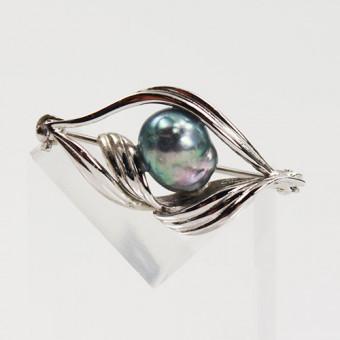 Brosche mit grau schimmernder Perle 925 Silber