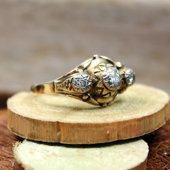 Antik Ring 585er mit Brillanten