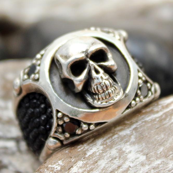 """JJJ LA Ring """"skull ray"""" GR 54 Herrenring aus 925er Silber kombiniert mit Rochenleder"""