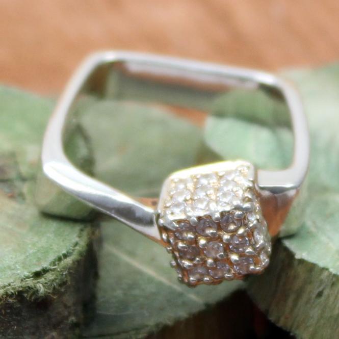 925 Silber Ring Quadrat mit Zirkonia
