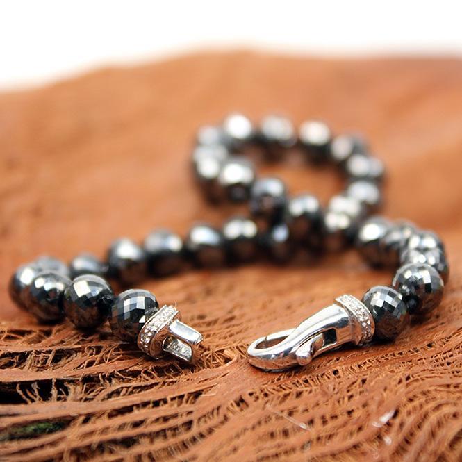 Armband aus schwarzen Diamanten