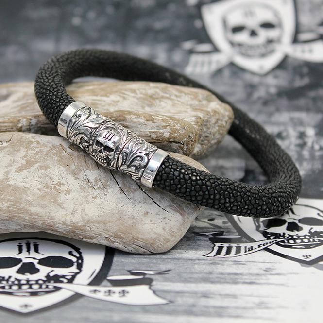 """JJJ LA Rochenlederband """"Floral Skull Ray"""" mit 925er Silber Schließe im Totenkopfdesign"""