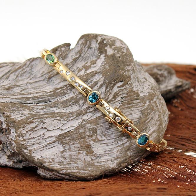 Armband mit Farbsteinen und Brillanten 750er GG