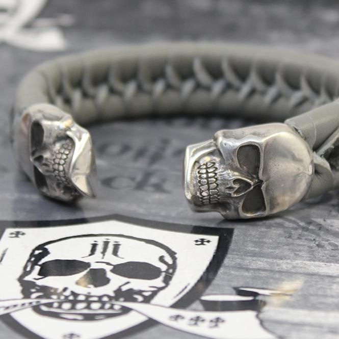 "JJJ LA Leder Armspange ""grey Skull"" 220 mm Armumfang"