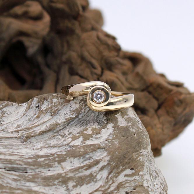 Solitär Brillant Ring 585er mit Zargenfassung