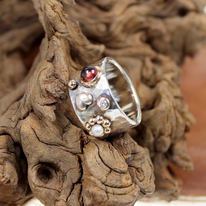 Silber Ring mit Farbsteinen und Diamant