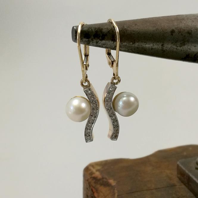 Perlohrhänger mit Diamant Besatz 585 Gold
