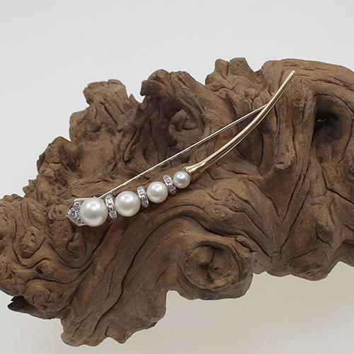 Stabnadel mit Diamanten und Perlen