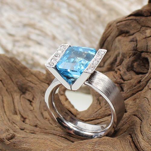 Topas- Diamant Ring Weißgold 585