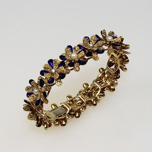 Armband teilweise Emailiert und mit Perlen und Brillanten besetzt