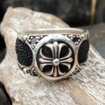 """JJJ LA Ring """"cross ray"""" GR 68 Herrenring aus 925er Silber kombiniert mit Rochenleder"""
