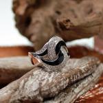 Leo Wittwer Weißgold Ring mit Diamanten und Emaille