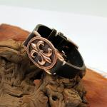 Gazpocho Fleur de Lys Armband mit schwarzem Vintage Lederband