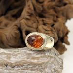 Gelbgold Ring mit facettiertem Citrin und Diamanten