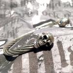 JJJ LA Edelstahl Armspange mit Totenköpfen aus 925er Silber