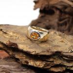 Gelbgold Ring mit Citrin in Weißgold Zagenfassung