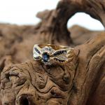 Gelbgold Ring mit synthetischen Saphiren 585er