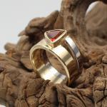 Ring Gelb-Weißgold 750 mit Feueropal